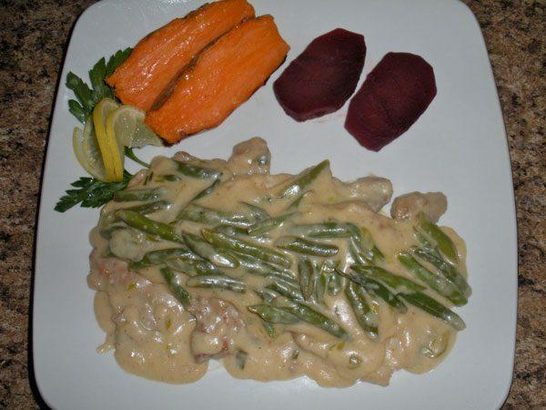Muschi de porc cu salata a la russe in aspic