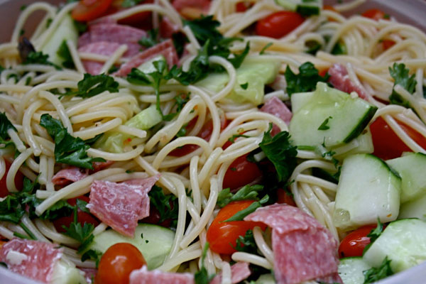 Salata de spaghete cu sos vinaigre