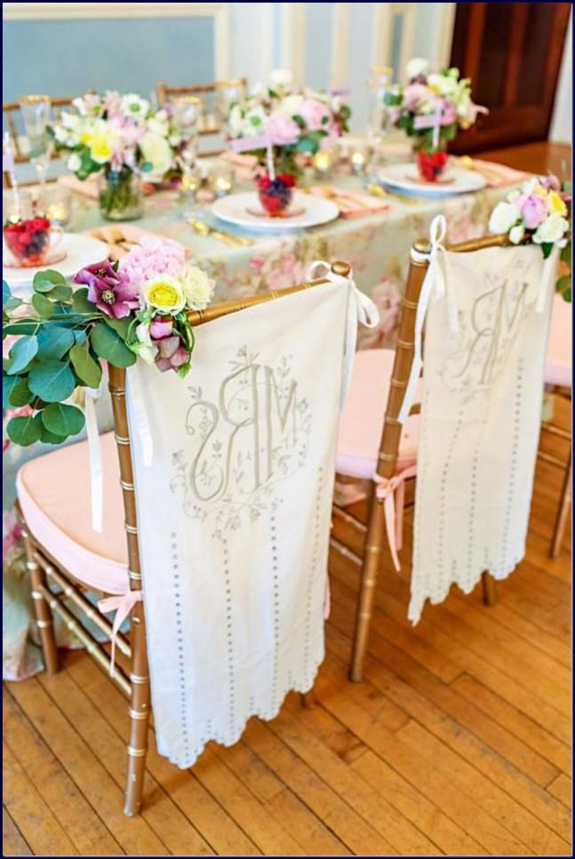 Tematica vintage pentru nunta scaune