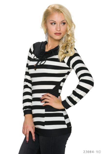 Pulover in dungi alb-negru Italy Moda profil