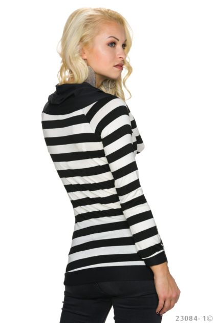Pulover in dungi alb-negru Italy Moda spate