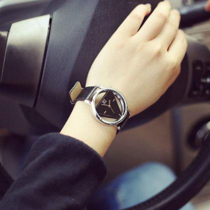 Ceas de mana cu cadran retro negru profil