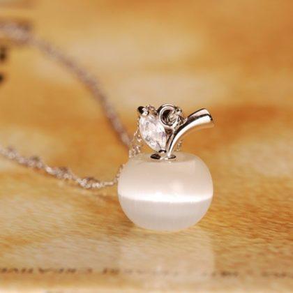 Colier argint cu pandantiv din opal alb