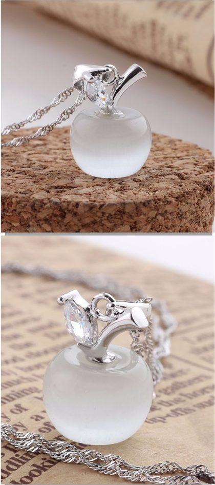 Colier argint cu pandantiv din opal alb fata