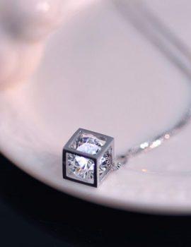 Colier argint cu pandantiv si cristal