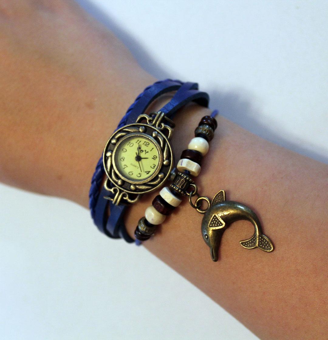 Ceas de mana cu bratari de piele albastre si decoratiuni