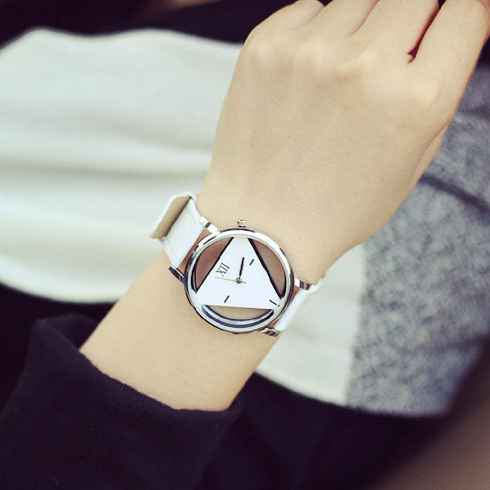 Ceas de mana cu cadran retro alb