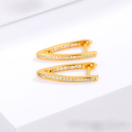 Cercei eleganti placati aur cu cristale sus