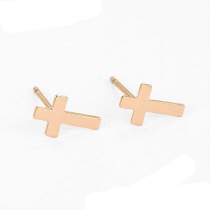 Cercei mici cruciulita placati aur sus