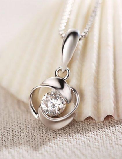 Colier argint cu pandantiv trandafir si zircon fata