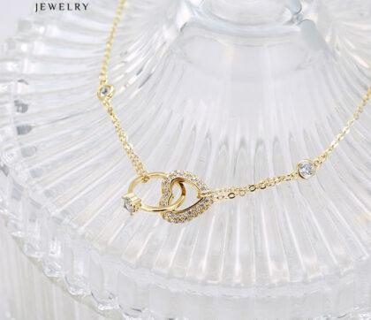 Colier placat aur inimioara cristale fata