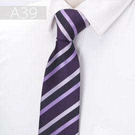 Cravata barbati mov cu dungi oblice