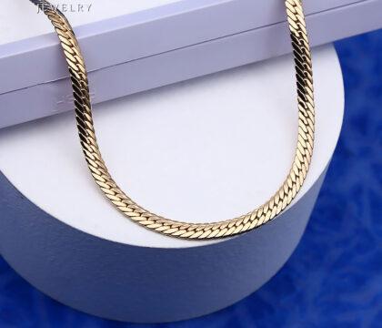 Lantisor elegant placat aur fata