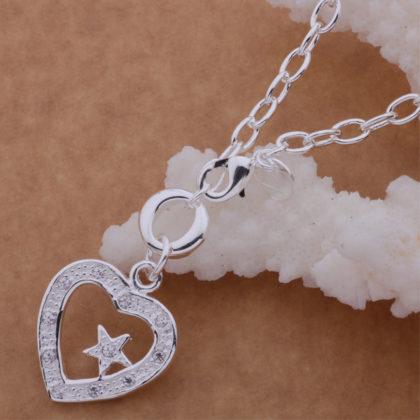 Colier argint pandantiv inimioara cu steluta Sara sus