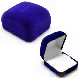Cutie de bijuterii albastra pentru cadou din flanel
