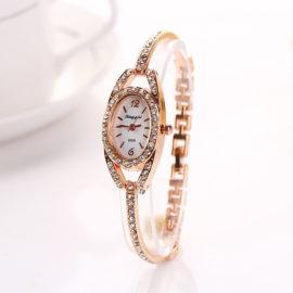 Ceas elegant auriu incastrat cu cristale