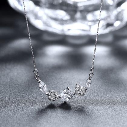 Colier argint 925 elegant cristale zirconiu profil
