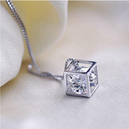 Colier argint 925, pandantiv romb cu cristal zirconiu sus