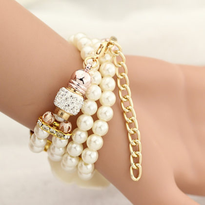Ceas elegant cu floricica si bratara din perle albe bratara