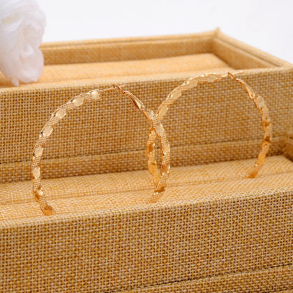 Cercei rasuciti mari placati aur cutie