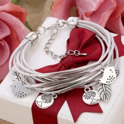 Bratara din multe straturi albe cu amulete, argint Tibetan