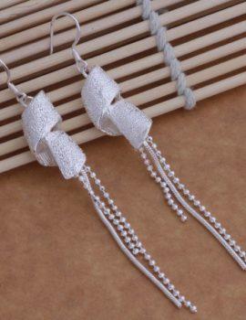 Cercei lungi rasuciti cu bilute argint