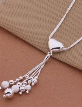 Colier argint cu pandantiv inimioara si bilute
