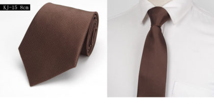 Cravata barbati eleganta maro fata