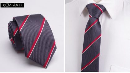 Cravata barbati gri cu dungi oblice fata