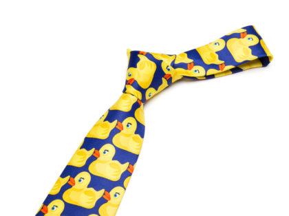 Cravata deosebita barbati imprimeu ratusca fata