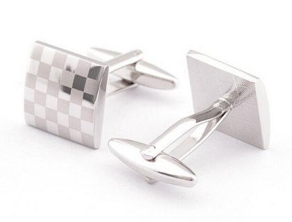 Butoni eleganti carouri argintii fata