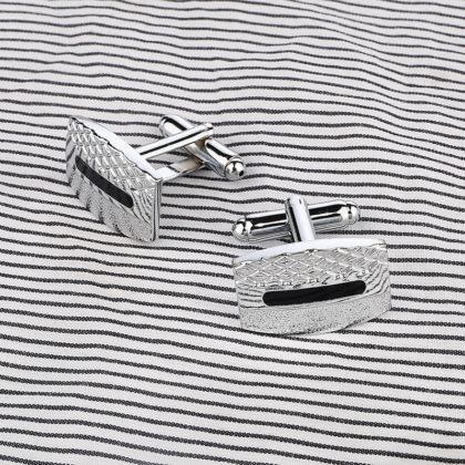 butoni-eleganti-rectangulari-argintii sus