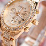 Ceas Geneva auriu cu cristale profil