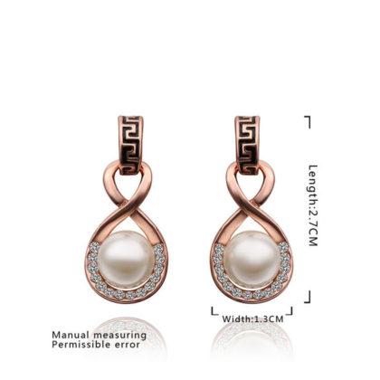 Cercei eleganti cu perla si cristale placati aur fata