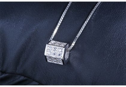 Lantisor argint 925 pandantiv cub sus