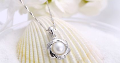 Colier argint 925 floricica cu perla fata