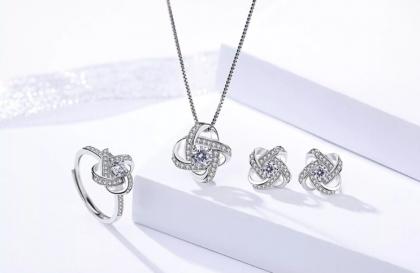 Set argint 925 colier, cercei si inel zirconiu fata
