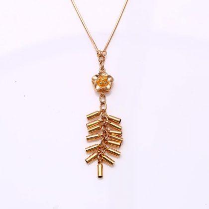 Lantisor pandantiv floricica placat aur