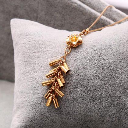 Lantisor pandantiv floricica placat aur fata