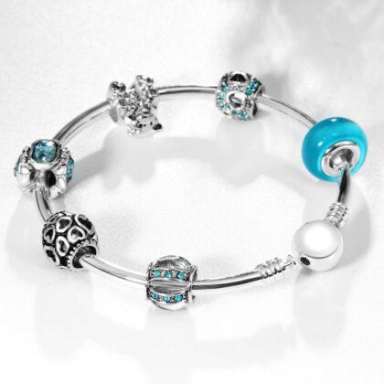 Bratara rigida charm cristale albastre sus