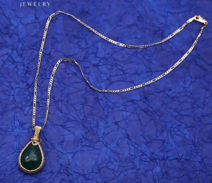 Colier elegant placat aur cristal verde sus