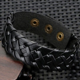 Bratara lata piele neagra impletita