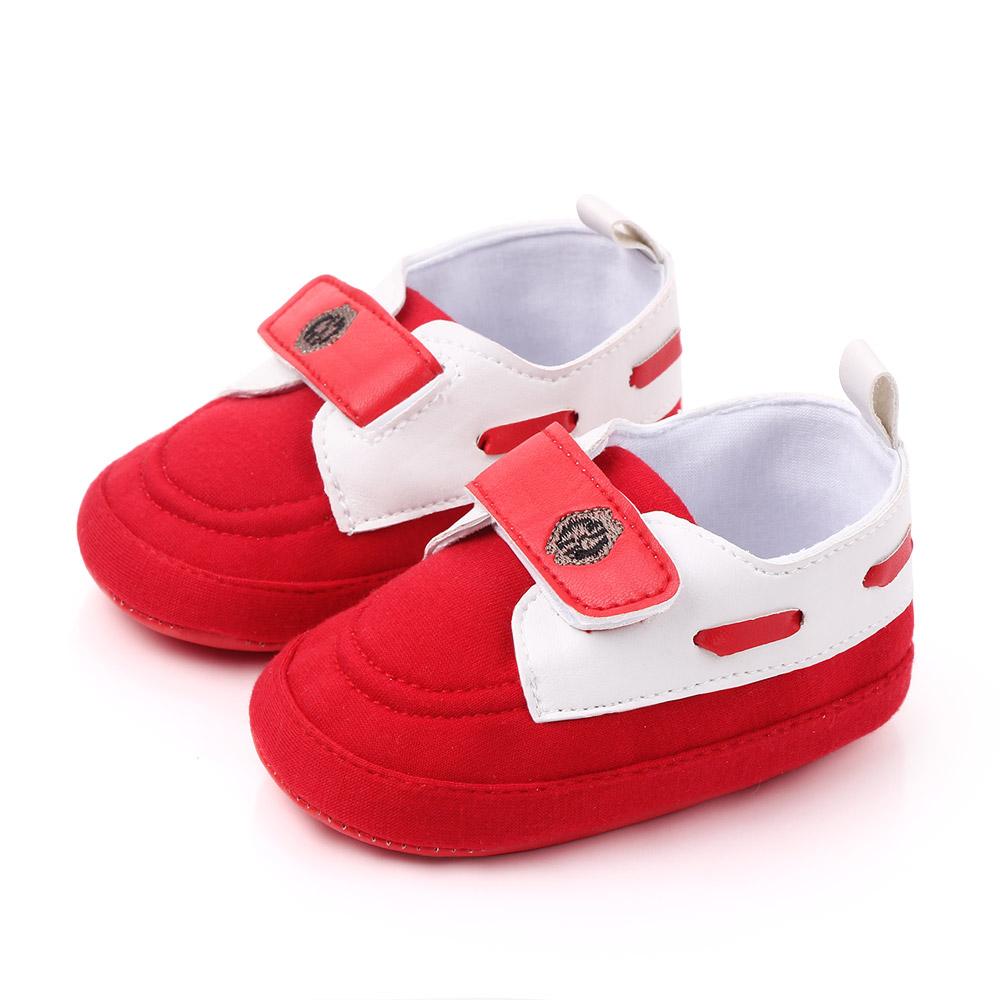 Papucei rosii eleganti