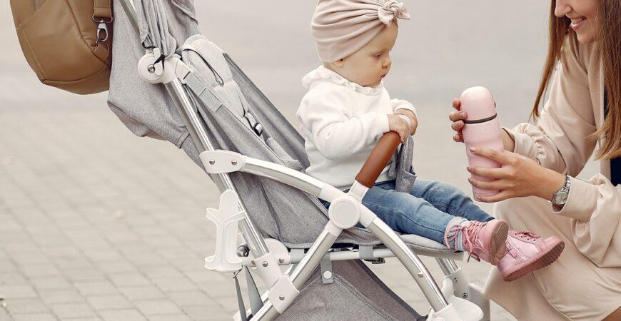 plimbarea cu bebelușul